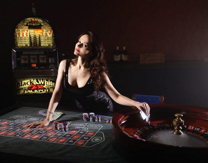 девушка в казино