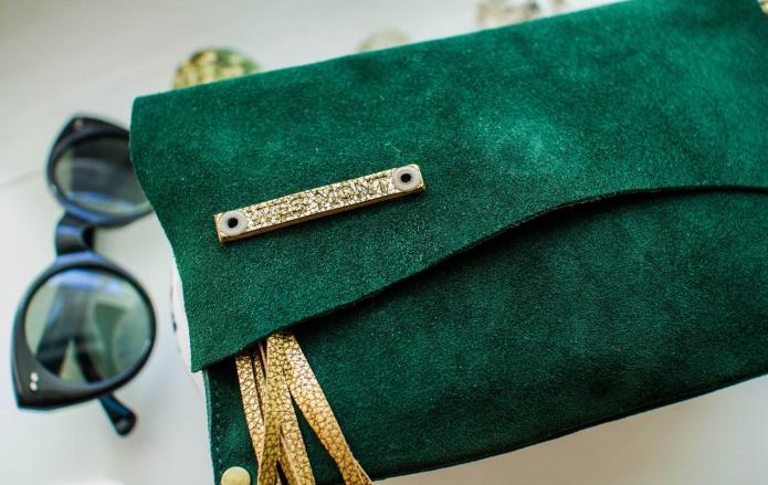 зелёный замшевый клатч