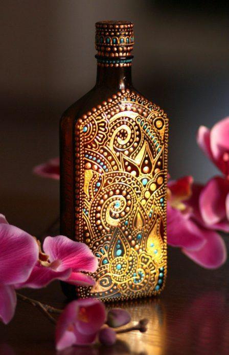 точечная роспись бутылки