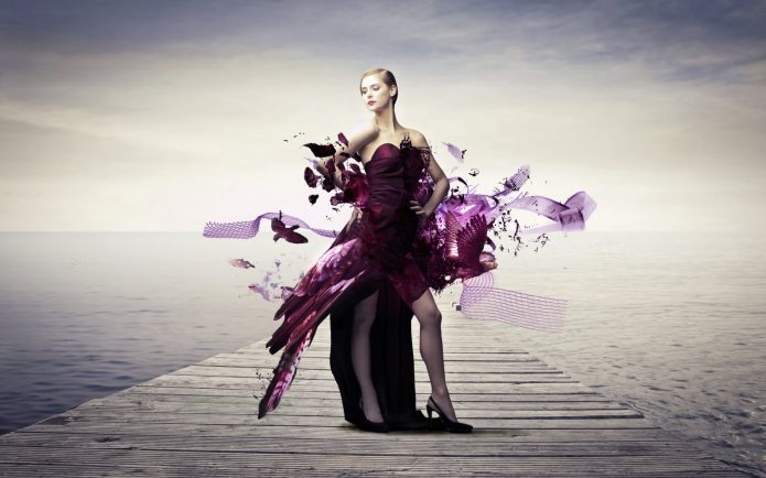 девушка в необычном платье, пристань, вода