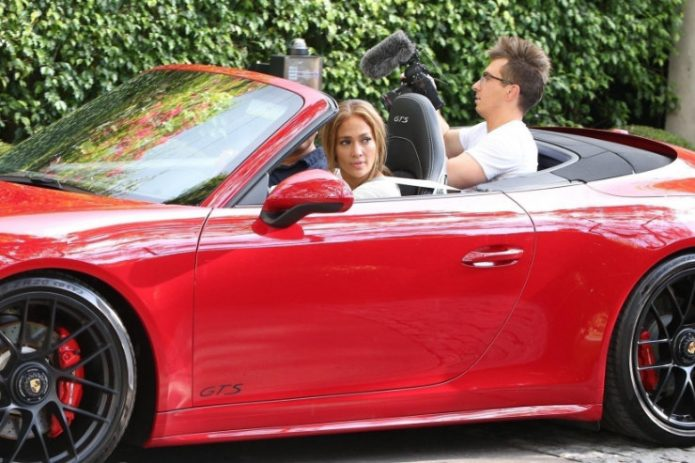 Родригес подарил авто