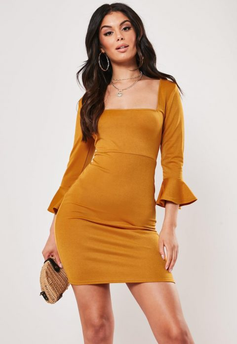Платье горчичного оттенка