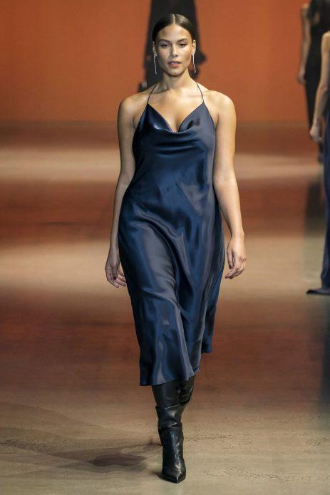Платья-комбинация с вырезом «качели»