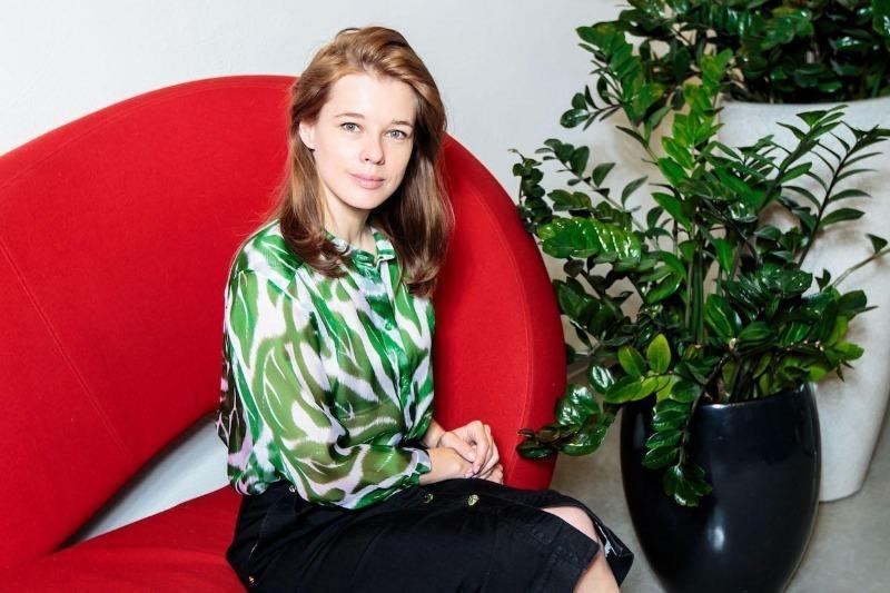 Совсем как подростки: 9 российских знаменитостей, которым уже за 30, но выглядят, как школьницы