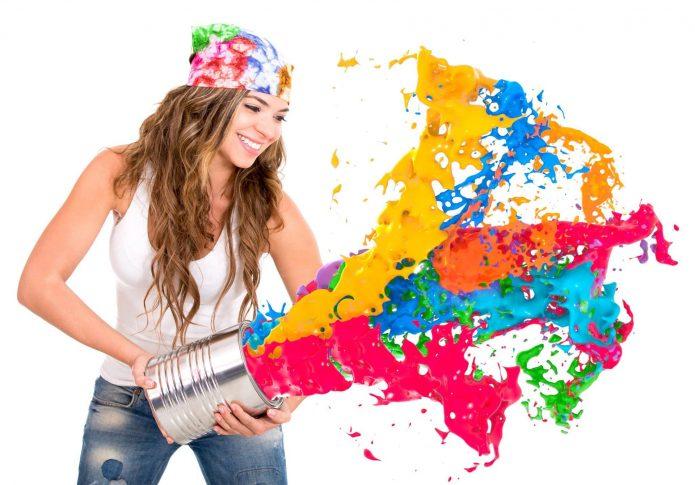 девушка, улыбка, разноцветные брызги краски