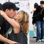 Энистон и Майер целуются