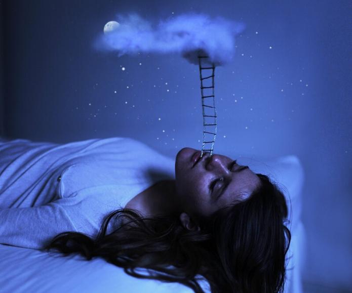 спящая, сновидение