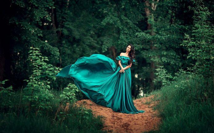 девушка в изумрудном платье, природа, лес