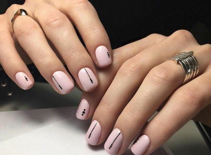 розовый с мелким чёрным орнаментом