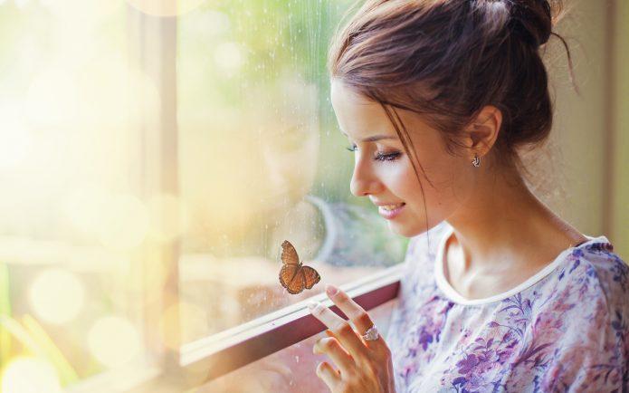 девушка, бабочка, окно