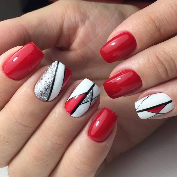 красно-белый с черным орнаментом