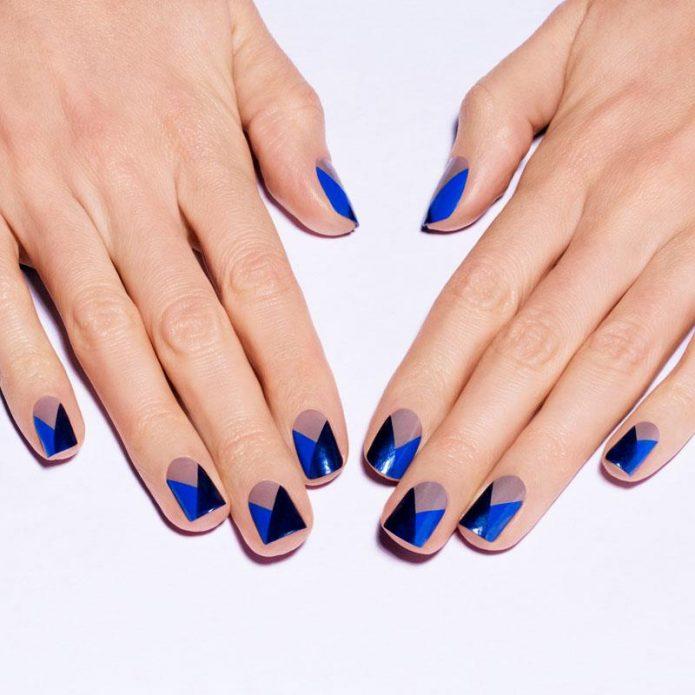 синий с черными и серыми ромбами