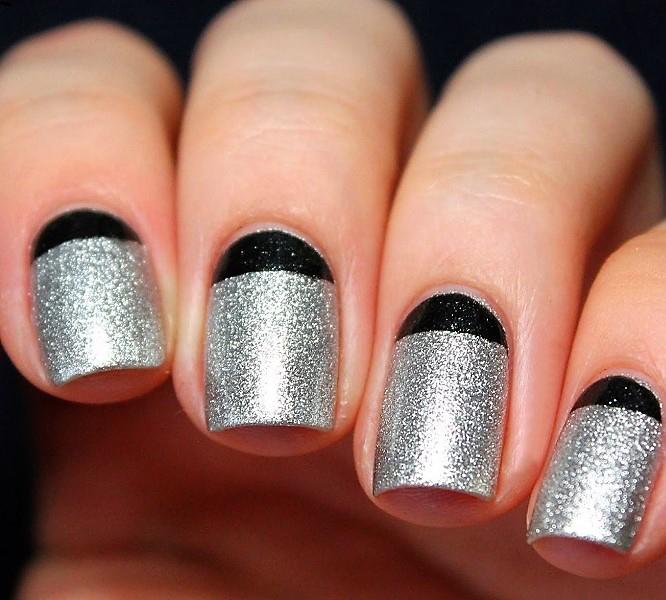 блестящее серебро с черным френчем