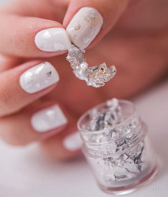 блестящее серебро из фольги