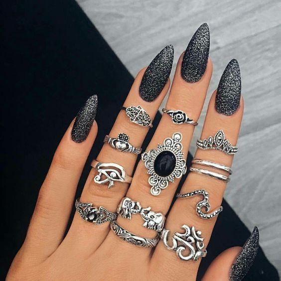 блеск черного и серебряного