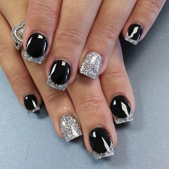 Блестящий серебряный френч на черном
