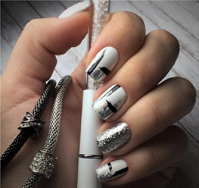 серебро в узое на светлом фоне