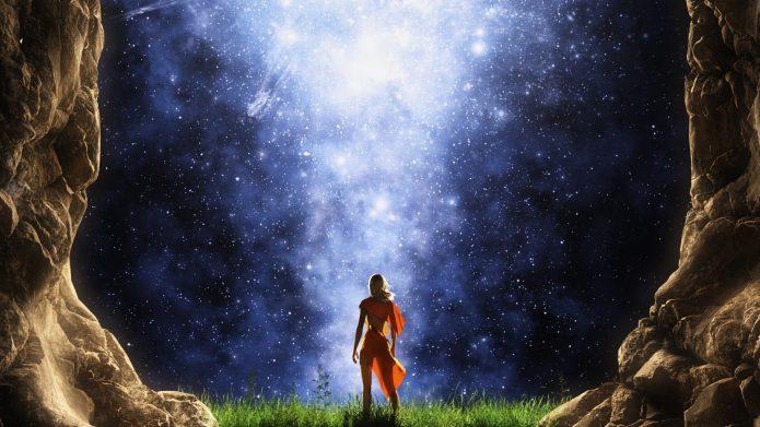 Девушка на фоне звездного неба