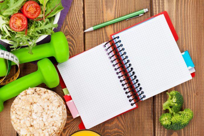 тетрадь, ручка, гантели, овощи