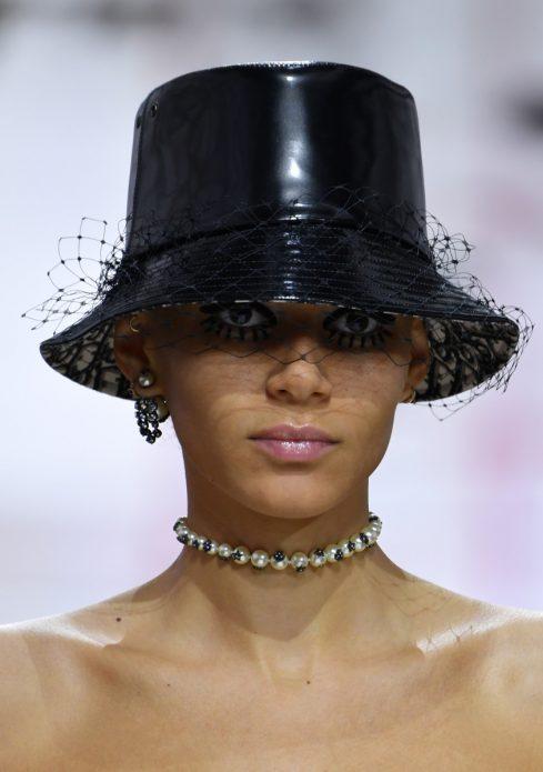Шляпка с вуалью
