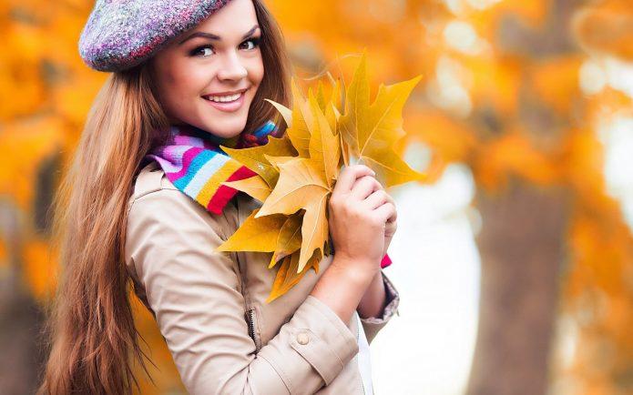 девушка, осенние листья, улыбка