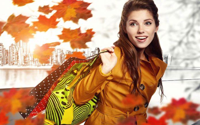 девушка с покупками, осень