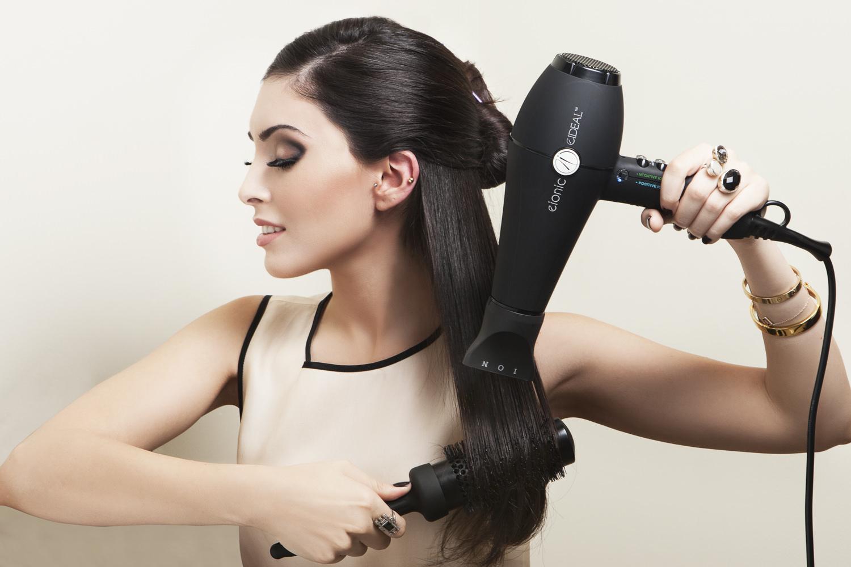 5 ошибок использования фена, которые портят волосы