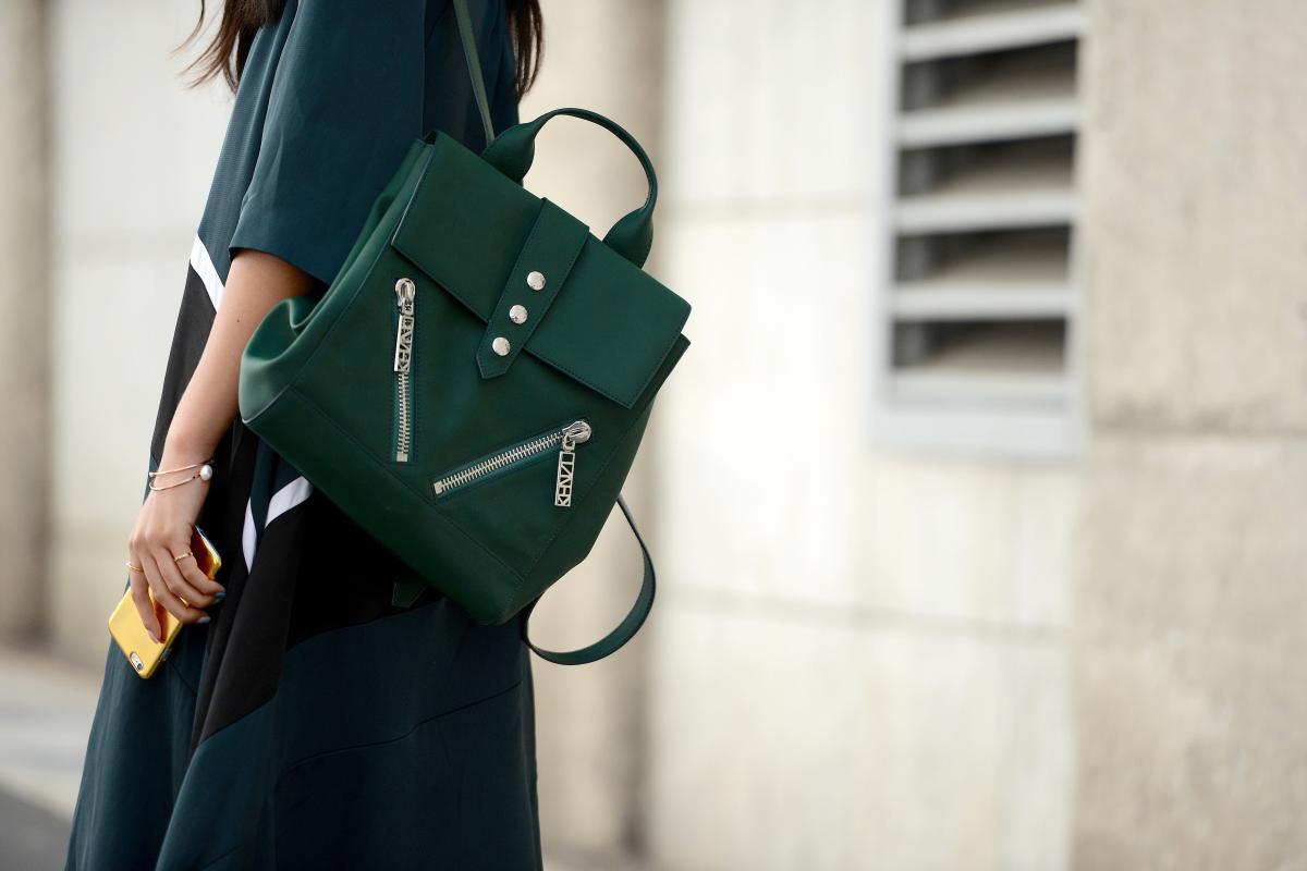О чем может рассказать цвет и форма женской сумочки о своей обладательнице