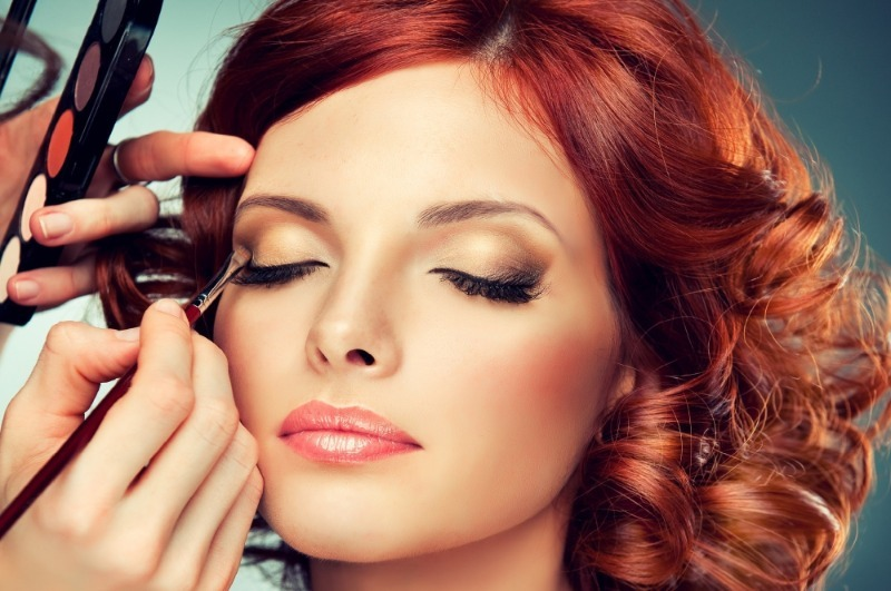 5 бюджетных приемов в макияже от профессионалов