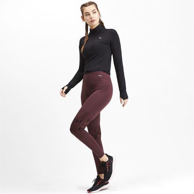 Девушка в спортивной одежде Puma