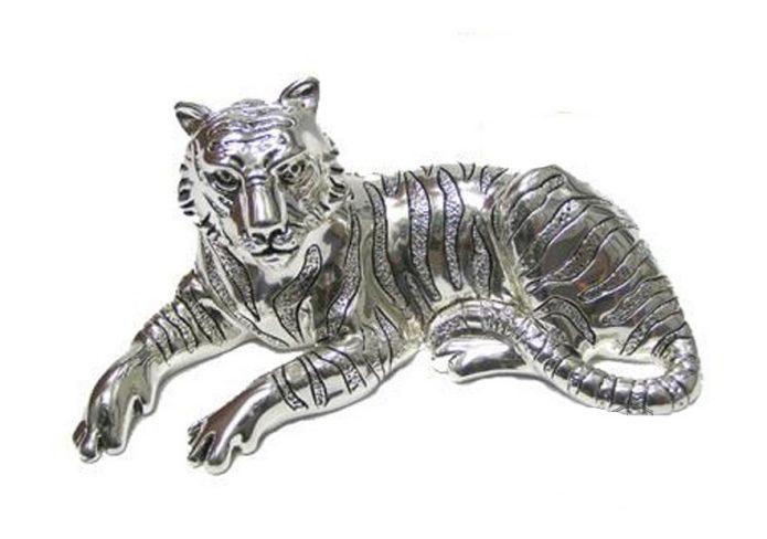 Металлическая статуэтка тигра