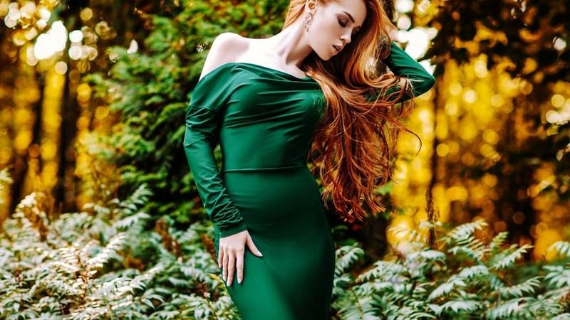 Модный зеленый осенью