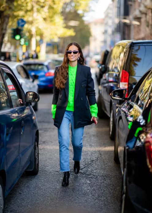 Кислотный свитер с пиджаком