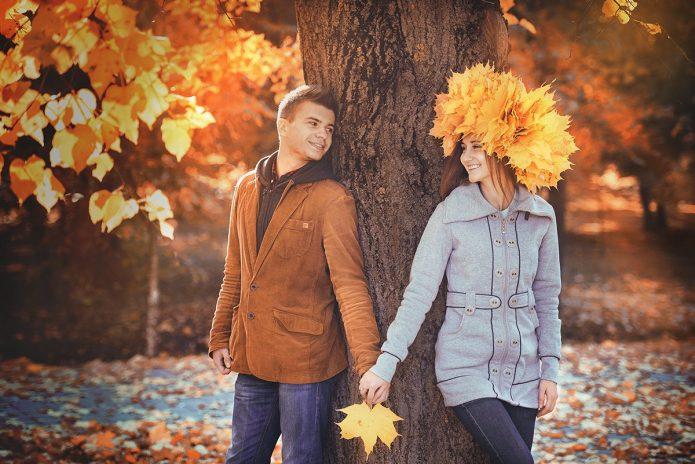 парень и девушка, свидание, осень