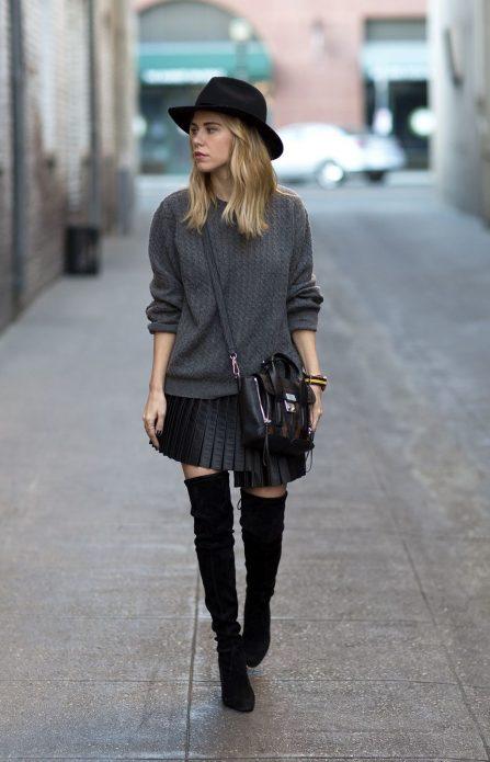 Короткая плиссированая юбка и свитер