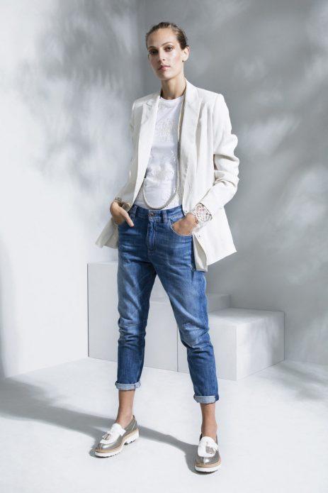 Джинсы с классическим пиджаком