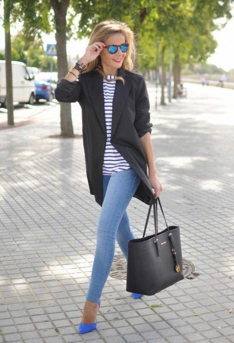 Облегающие джинсы и удлиненный жакет