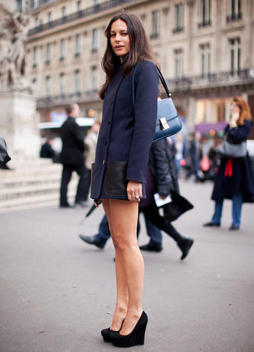 Короткое пальто и туфли лодочки
