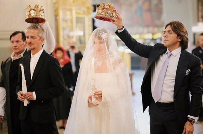 Собчак показала кадр с венчания