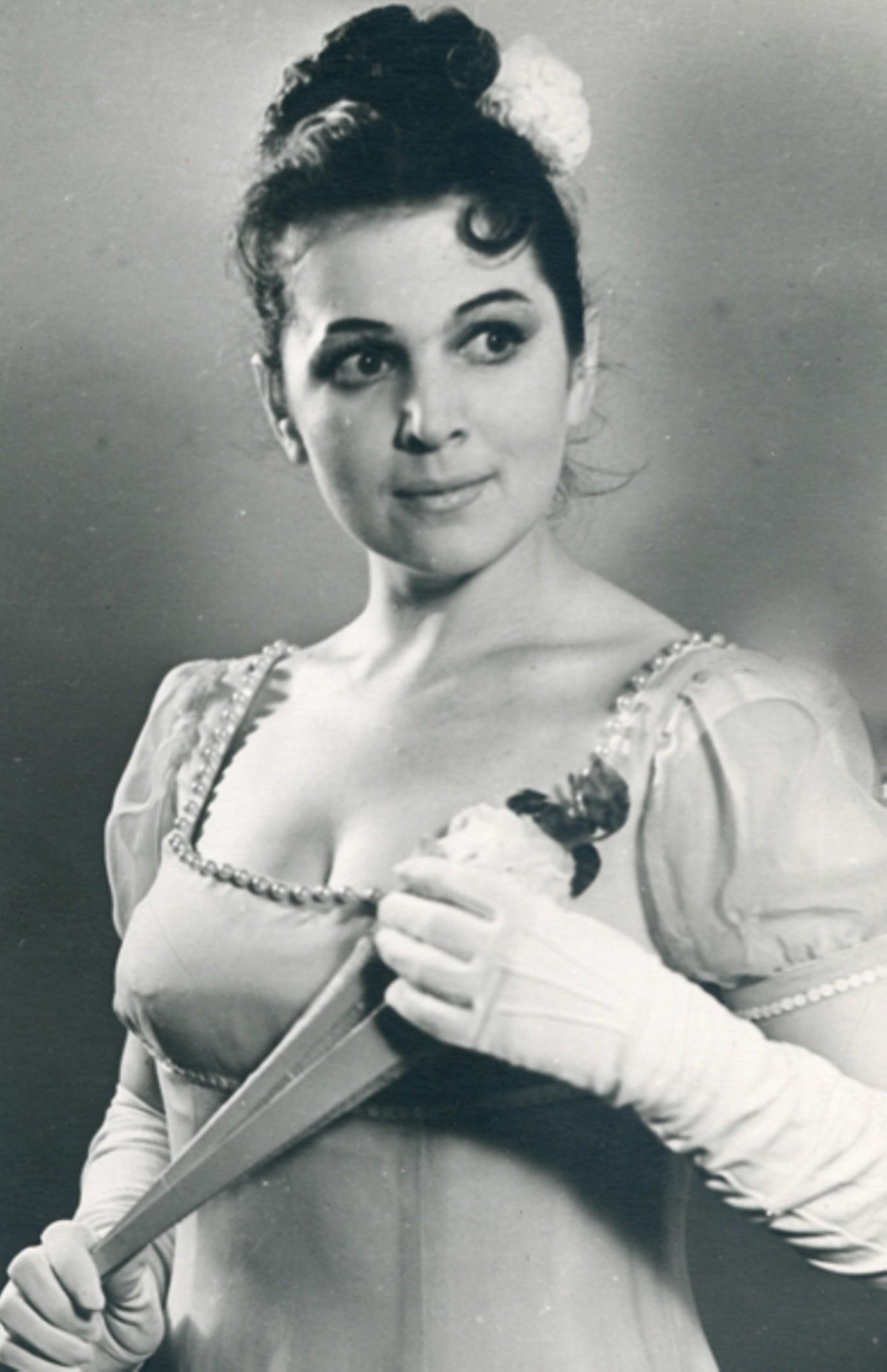 Семь самых красивых исполнительниц Наташи Ростовой