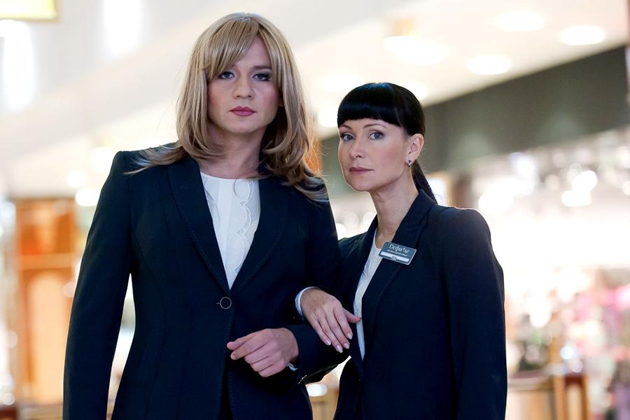 Пятерка российских актеров, которые сыграли женские роли
