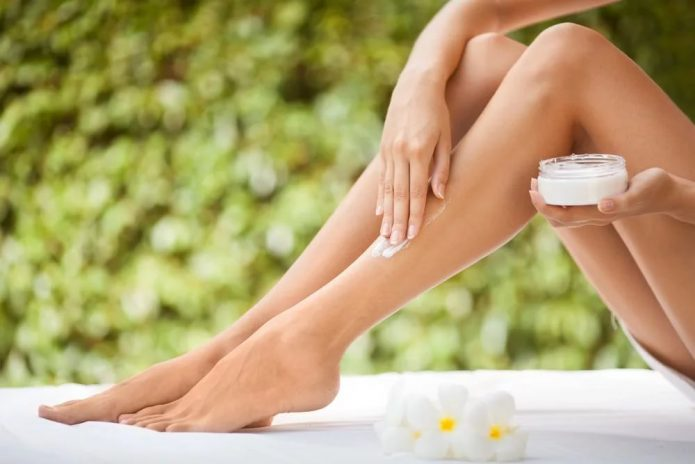 сияющая кожа ног
