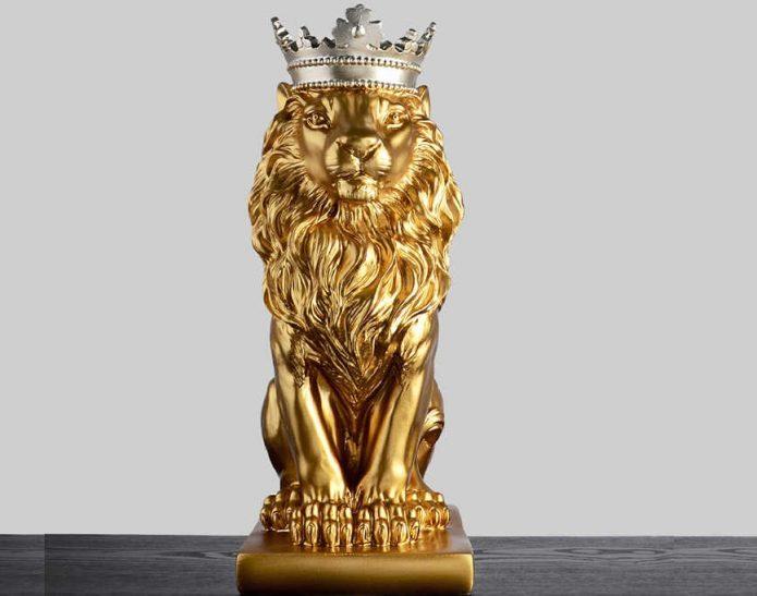 Статуэтка льва в короне