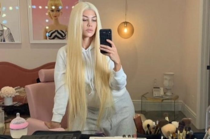 Кортни Кардашьян блондинка