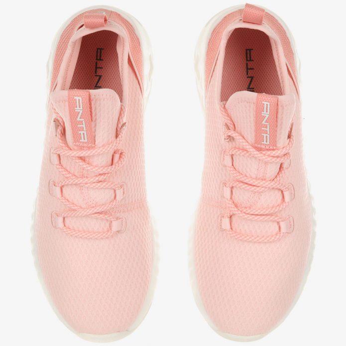 Персиковые кроссовки