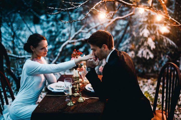 влюблённые, романтический ужин, зима