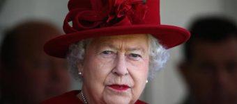 Королева Елизавета II отказывается делать операцию