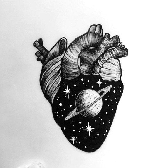 чб эскиз тату космос в сердце