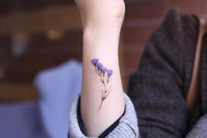 маленький цветок тату