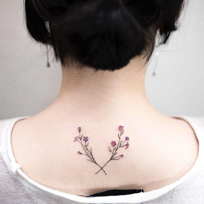 минимализм веточки цветы на спине